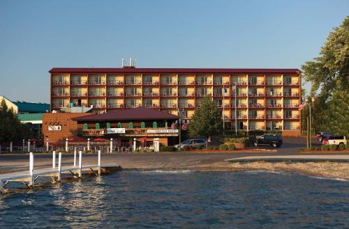 Harbor Shores On Lake Geneva