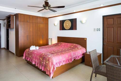 Suite Deluxe Pemandangan Laut (Deluxe Suite with Sea View)