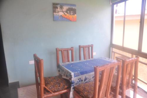 Habitación Doble con balcón (2 adultos + 1 niño) (Double Room with Balcony (2 Adults + 1 Child))