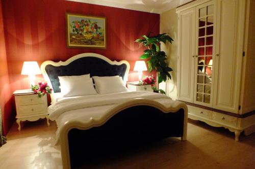 جناح بغرفتي نوم مع تراس (Two-Bedroom Suite with Terrace)