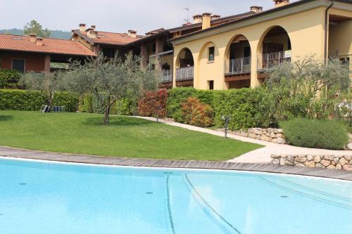 Отель Beautiful Apartment with Pool 0 звёзд Италия