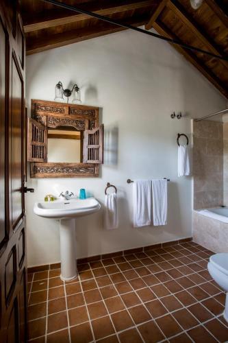 Suite Familiar (2 adultos + 2 niños) Hotel Cortijo del Marqués 8