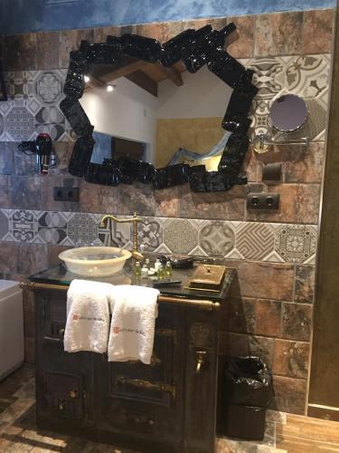 Habitación Doble con bañera de hidromasaje - Uso individual Hotel el Lagar de Isilla 2