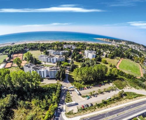 Отель Hotel Bellevue 2 звезды Черногория