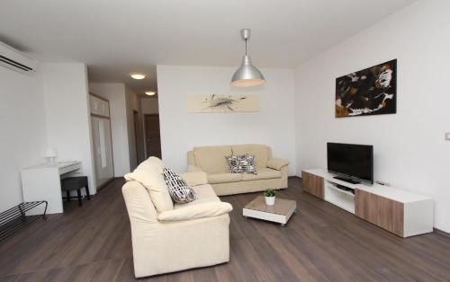 Apartments Vestar