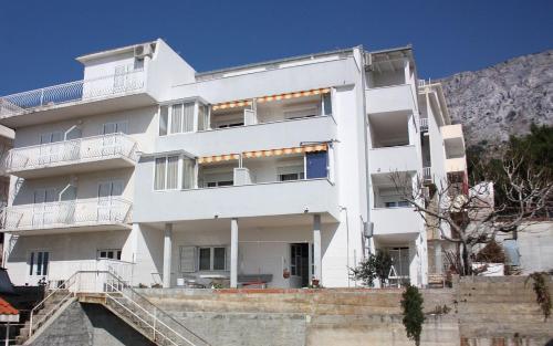 Apartment Nemira 6070a