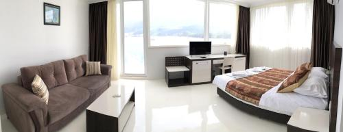 King Room with Panoramic Sea View