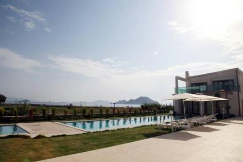 More about Aegean Pearl Suites