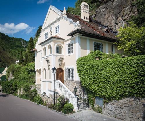 Villa Sch�nthal