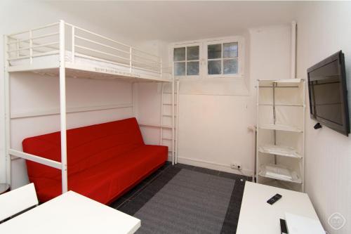 Cozy Neuilly Studio