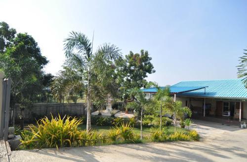 Photharam Guest House