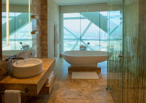 Hyatt Capital Gate Abu Dhabi photo 17