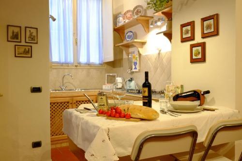 Отель Luce Apartment 0 звёзд Италия