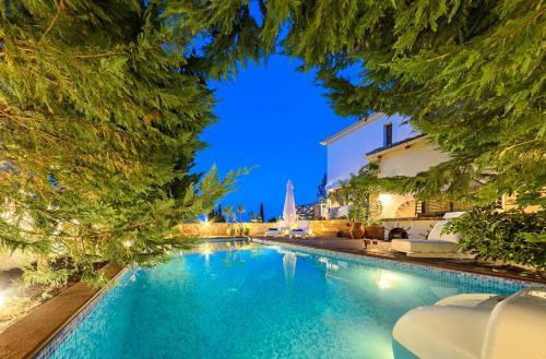 Ark Luxury Villa