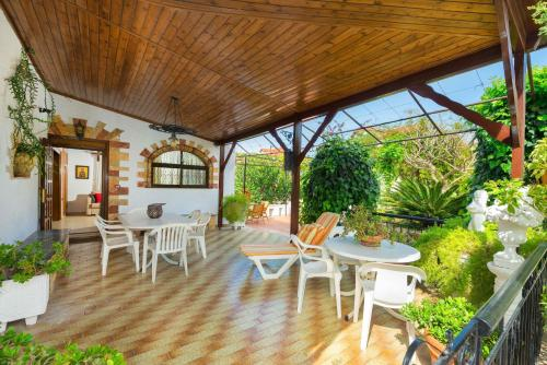Villa Agia Paraskevi