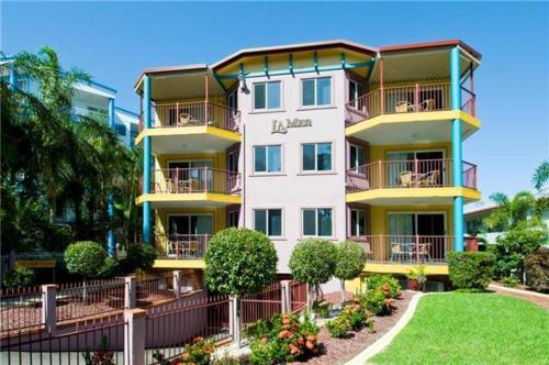 La Mer Luxury Apartments