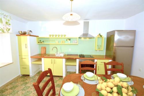 Holiday Home Lemon