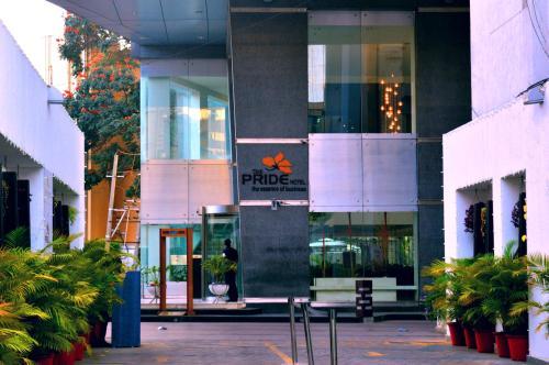 Отель The Pride Hotel, Bangalore 4 звезды Индия