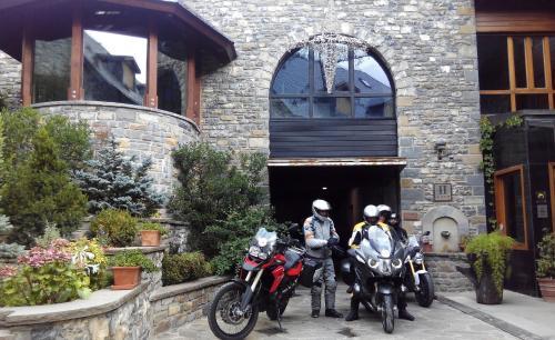 Habitación Doble Estándar con aparcamiento Hotel & Spa El Privilegio 4