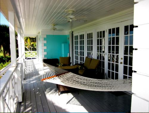 The Blue Inn Family Vacation Rental, Smith Point