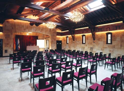 Oca Palacio De La Llorea Hotel & Spa