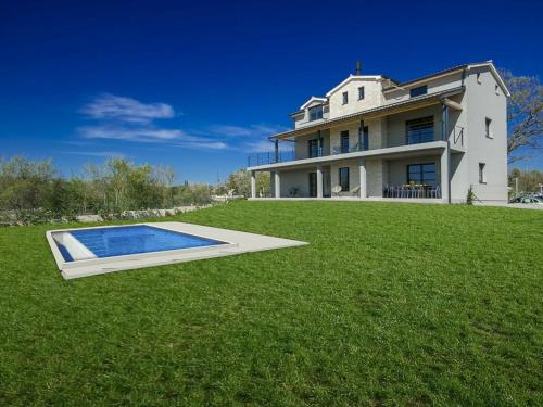 Villa 2M