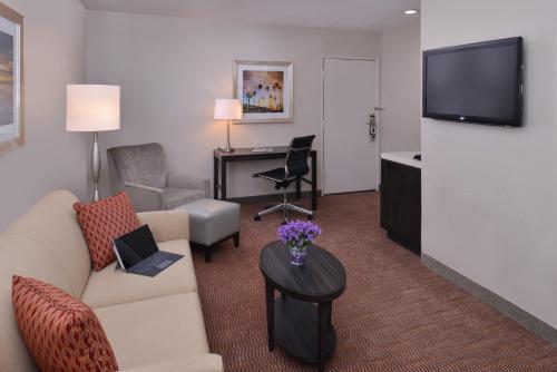 Best Western Royal Palace Inn Suites Los Angeles Ca United