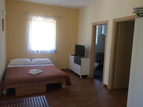 Apartments Lovrecica