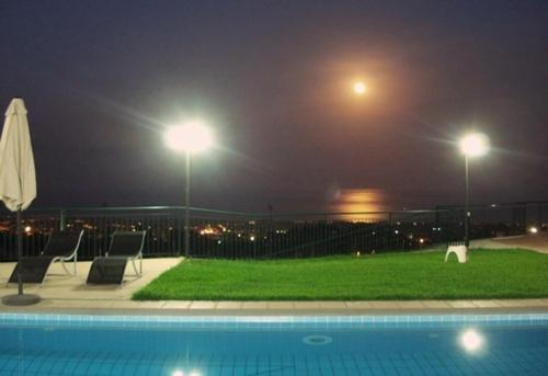 Swimming pool Villa Capo Grecale