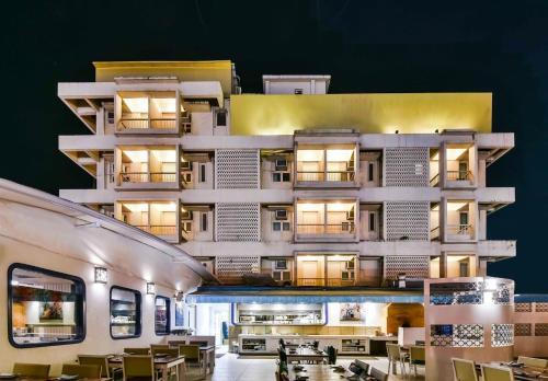 Отель STARiHOTELS Ramdas Nayak Marg 3 звезды Индия