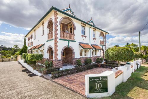 Cumquat House
