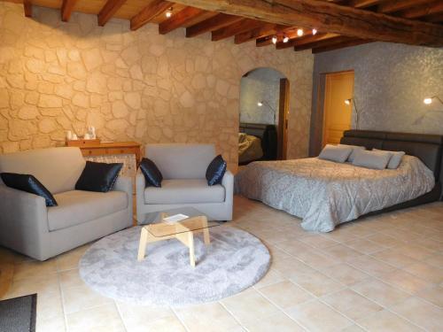 la chambre d 39 amis la riviere de corps aube champagne ardenne rentals and. Black Bedroom Furniture Sets. Home Design Ideas