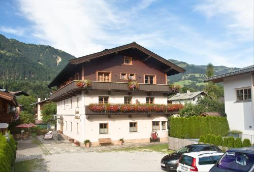 Pension Schmidinger (Bed and Breakfast)