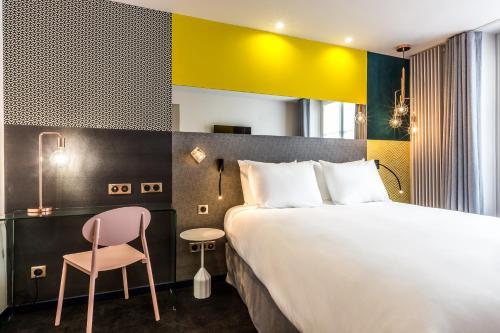 Hotel duette paris h tel 64 rue de l vis 75017 paris for Hotels 75017