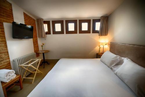 Habitación Doble - 2 camas Palacio Carvajal Girón 5