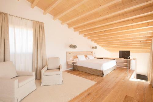 Luxury Villa with terrace  Fontsanta Hotel Thermal & Spa 8