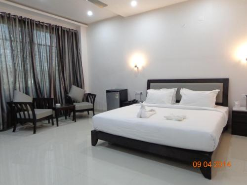 Отель STARiHOTELS Sanchar Colony Chhindwara 2 звезды Индия