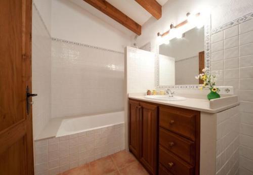 Отель Three-Bedroom Apartment in Mallorca with Pool XXXII 0 звёзд Испания