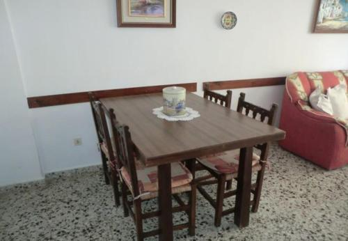 Two-Bedroom Apartment in Alicante with Pool V