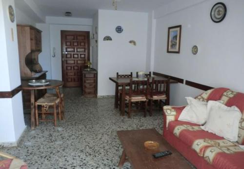 Two-Bedroom Apartment Two-Bedroom Apartment in Alicante with Pool V