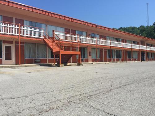 Daniel Boone Motor Inn