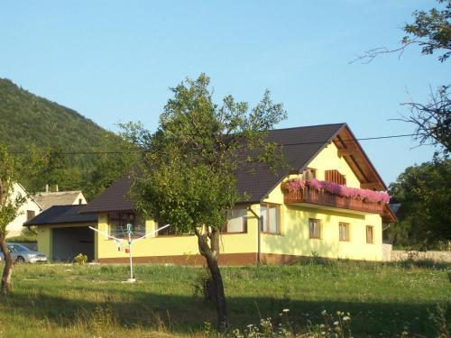 House Mara