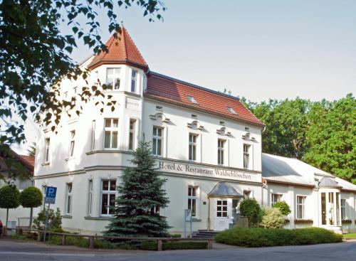 Отель Hotel & Restaurant Waldschlösschen 3 звезды Германия