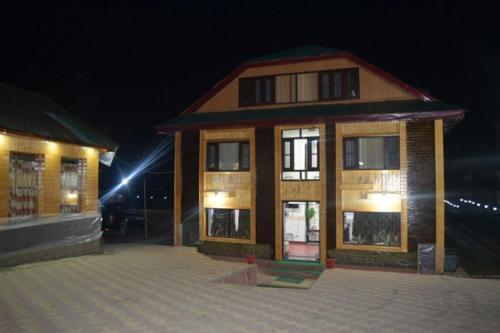 Hotel Lal Kothi Pahalgam