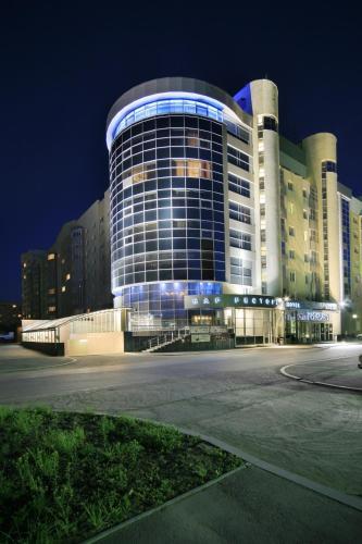 Stay at Vizavi Hotel
