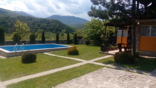 Villas Markashnica