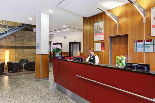 IntercityHotel Berlin Ostbahnhof photo 8