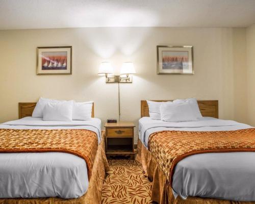 Econo Lodge Inn & Suites Stevens Point