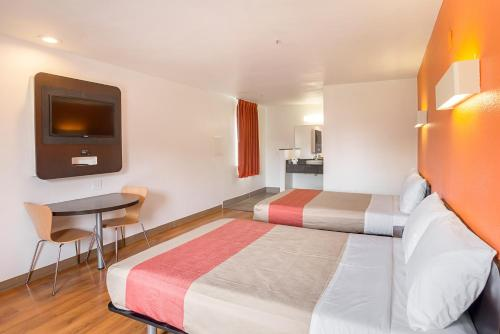 Double Room with Two Double Beds Smoking