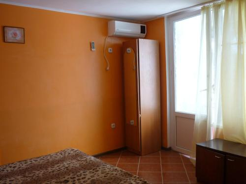Cameră triplă Confort cu duş (Comfort Triple Room with Shower)